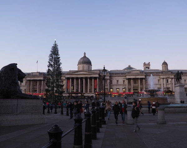 London: Weihnachtsmarkt vor der National Gallery (Trafalgar Square)