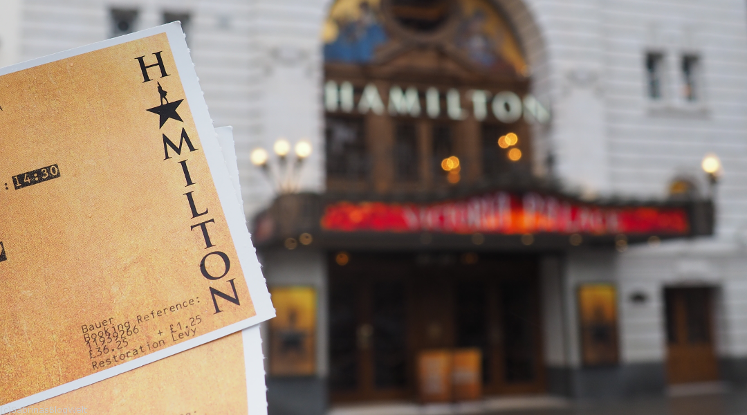 Hamilton Tickets vor dem Victoria Palace Theatre in London